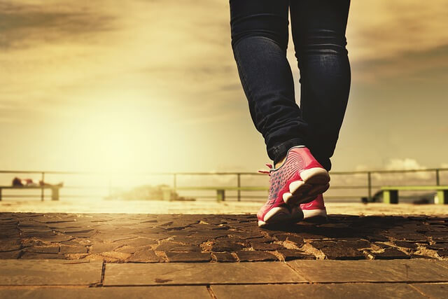 how-to-increase-serotonin-levels-walking