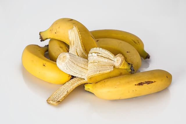 foods-that-aid-sleep-bananas