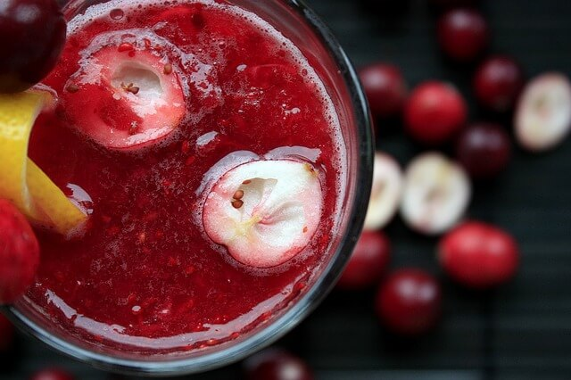 best-foods-to-naturally-detox-your-body-cranberries