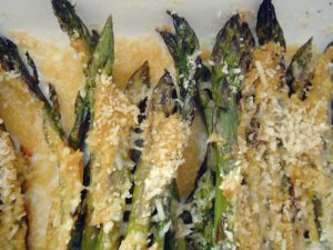 side-effects-and-warnings-of-eating-asparagus